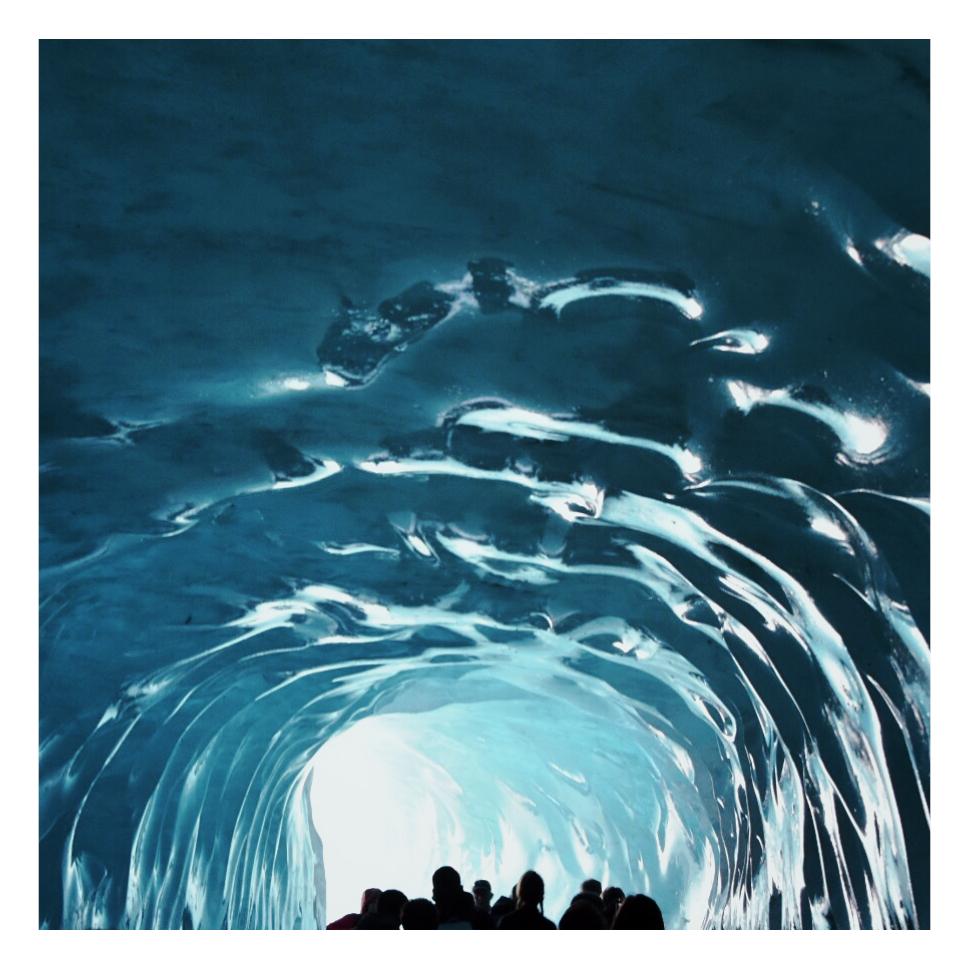 Plafond van dee ijsgrot bij Chamonix